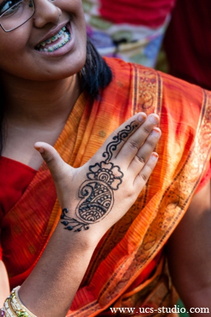Indian-wedding-gaye-holud-activities-mehndi