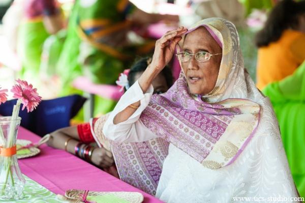 Indian-wedding-gaye-holud-colorful-portrait