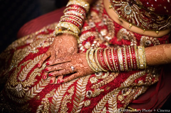 Indian-wedding-getting-ready-bride-bangles-mehndia