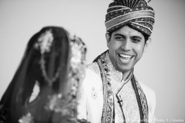Indian-wedding-portrait-black-white-bride-groom