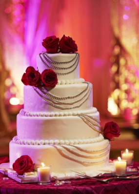 Indian-wedding-cake-cream-red-roses-bling