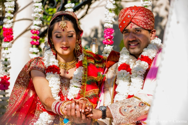 Indian-wedding-bride-groom-ceremony-mandap