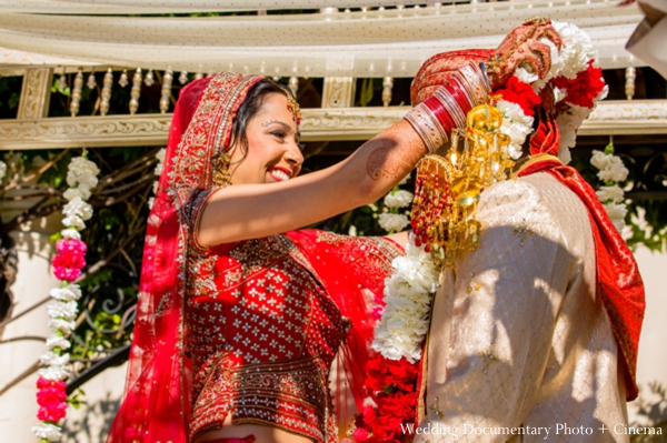 Indian-wedding-bride-groom-jai-malas