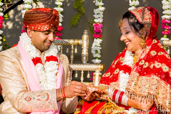 Indian-wedding-bride-groom-mandap-ceremony