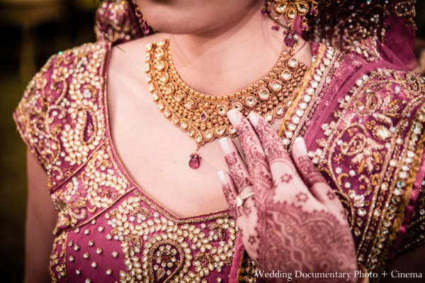 Indian-wedding-ceremony-gold-red-lengha-necklace