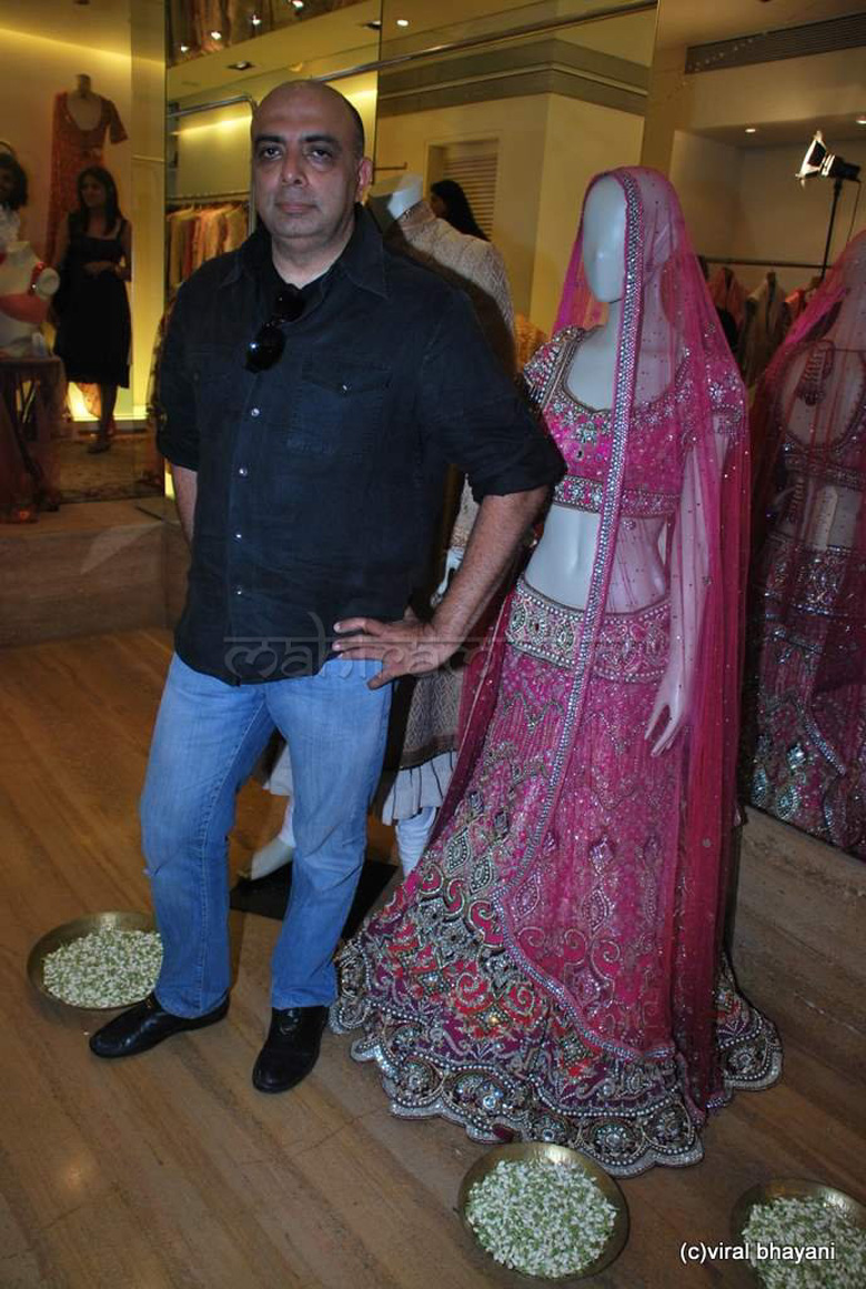 Tarun-tahiliani-unveils-his-bridal-culture-collection