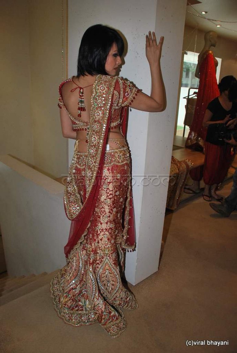 Tarun-tahiliani-unveils-his-bridal-culture-collection-20