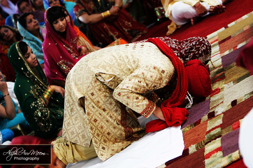 Indian bride and groom sikh ceremony