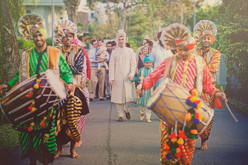 Indian wedding baraat, dhol