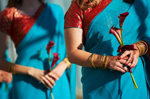 Indian-wedding-bridesmaid-blue-and-red-sari