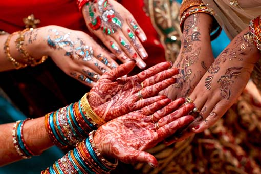 Indian-wedding-glitter-mehndi