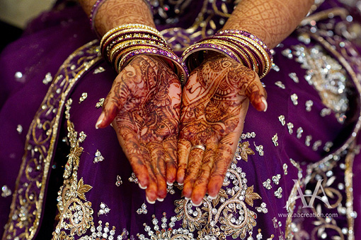 Indian-wedding-mehndi-purple-lengha