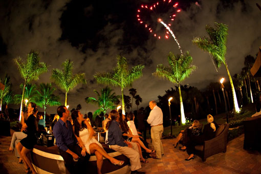 Indian-wedding-grand-entrance-fireworks-3