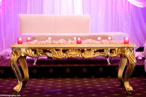 Indian-wedding-reception-pink-kissing-balls-white-stage-4