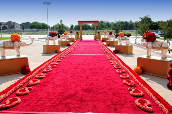 how to make an aisle runner stay in place