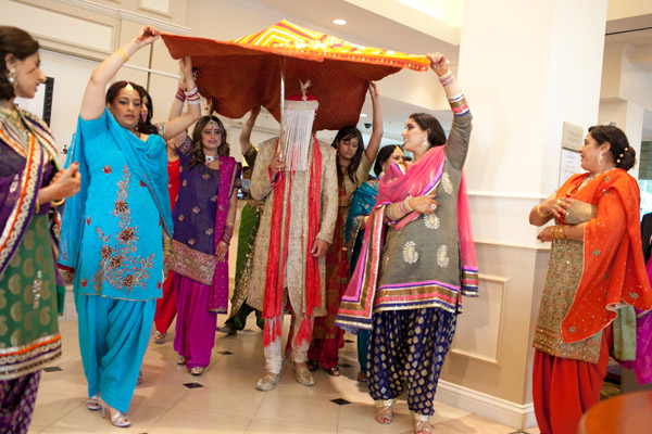 elk grove hindu personals Elegance decor is a full service event design studio for weddings, receptions, sangeet, mehndi, and all other decorations we serve greater chicago area we are.