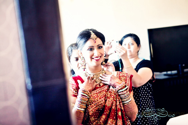 Indian wedding photography captures this modern Indian bride.