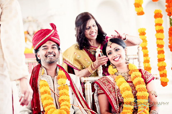 Indian wedding photography captures this Indian wedding bride and groom.