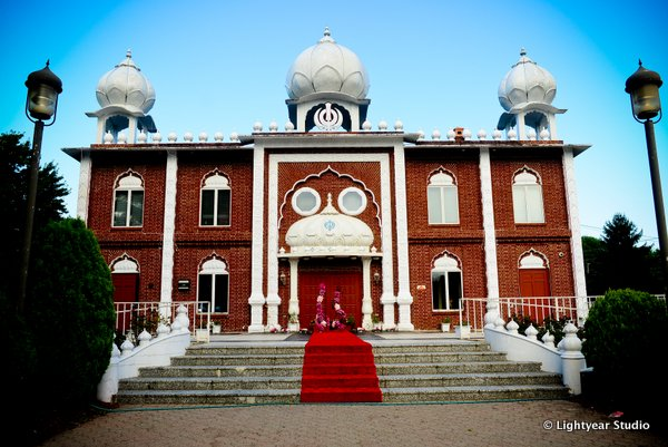 This temple is an Indian wedding venue for Sikh weddings.