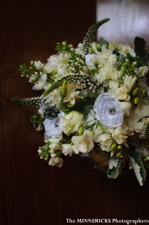 indian wedding bouquet ideas for white and green theme.