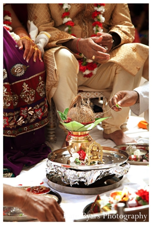 Indian wedding traditions pictured in indian wedding photography.