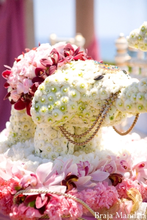 Indian wedding floral ideas and decor in white and pink.