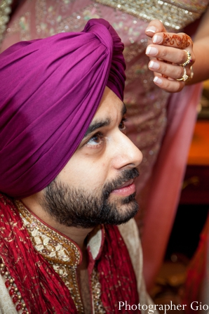 Closeup of Indian groom at Sikh Indian wedding.