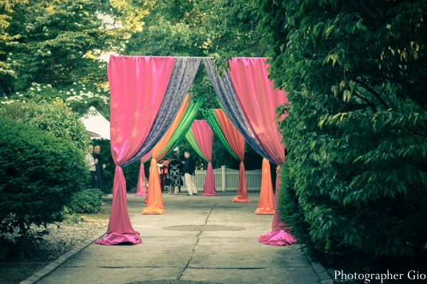 Indian wedding ideas for an outdoor bridal mehndi party.