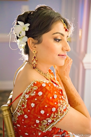 Indian bridal hair ideas with Indian bride on her Indian wedding day.
