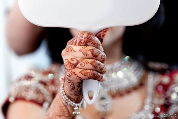 indian bride wears bridal henna.