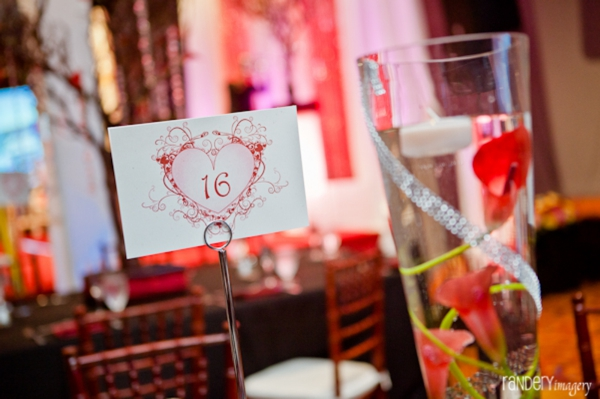 Tablesetting ideas for indian wedding reception guest tables.