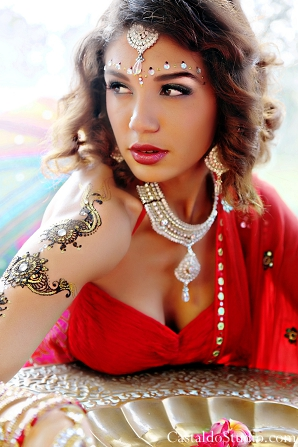 Indian bridal hair and makeup ideas for vintage bride