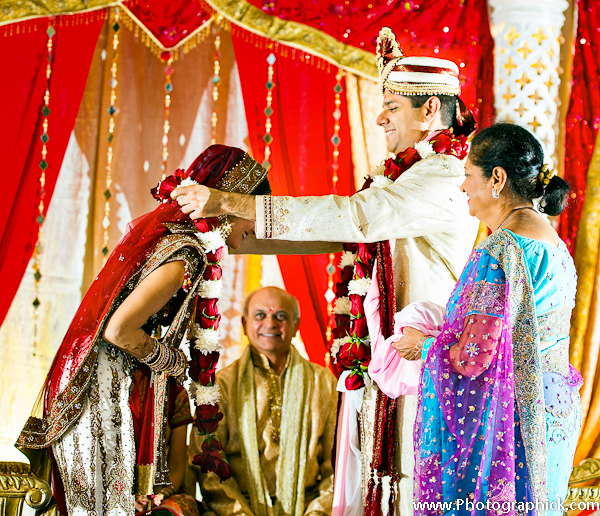 Hindu Wedding Ceremony: Indian Wedding Ceremony In Red And Gold By Photographick