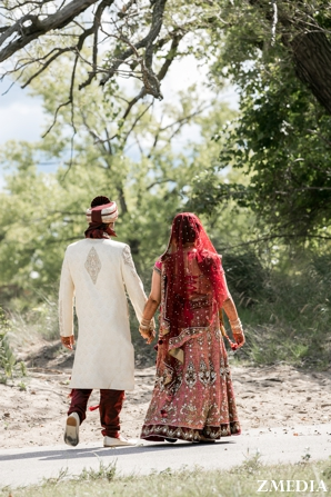 indian bride and groom in indian wedding photography