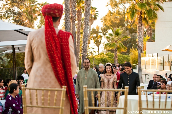 Pakistani bride gets married at Pakistani wedding