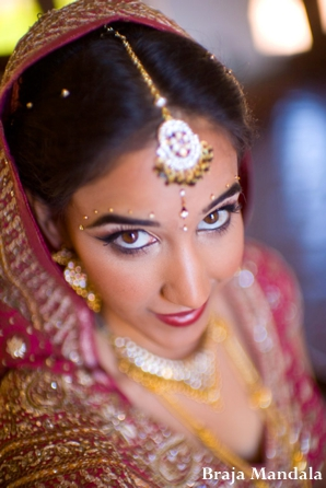 indian-wedding-bride-tikka-beauty-shot-ceremony